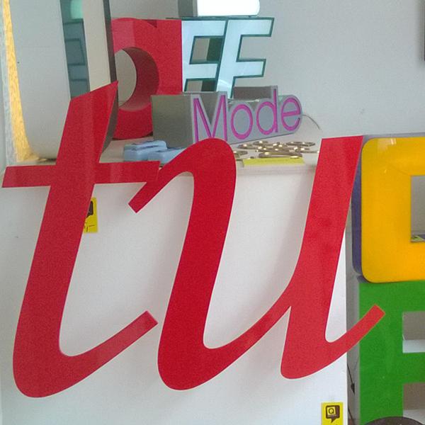 Die beiden Buchstaben T und U